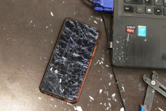 Image depicting how to move data from a damaged phone to a new one
