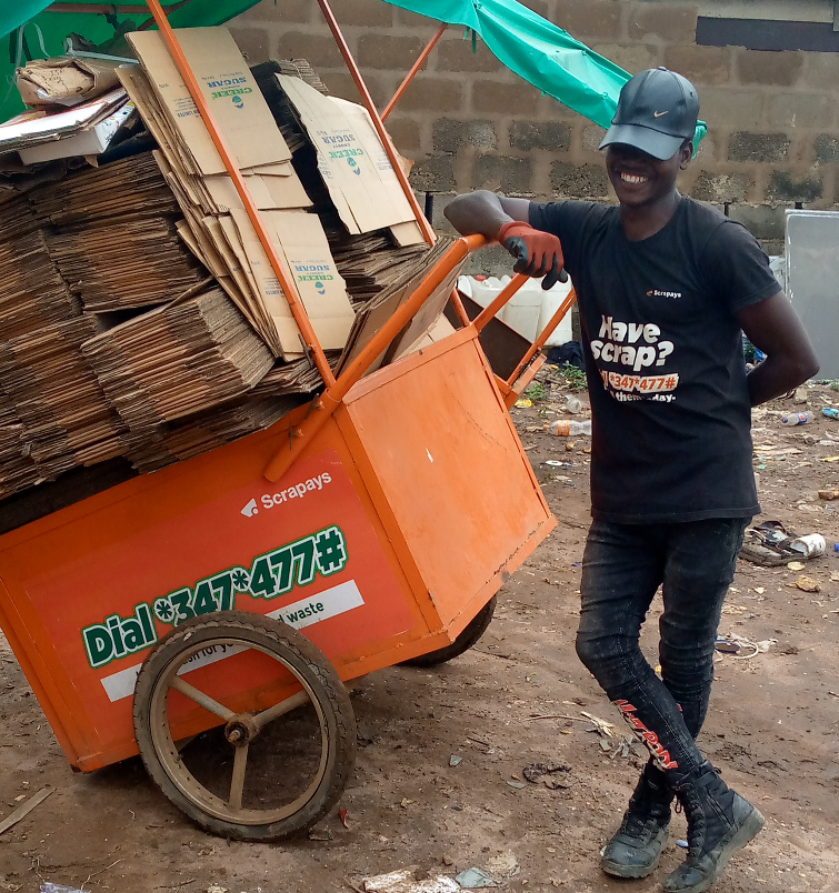 A collector with the customised Scrapays cart.